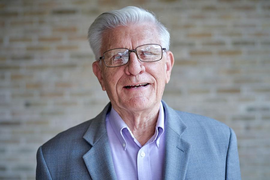 Robert K. Oglesby